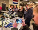 Tiel, 5 februari. Presentatie van de corsowagens van Stichting corsowagen Tiel bij TKV. Grote wagen genaamd: Koninginnevlucht, ontwerp van Adriana van Galen.