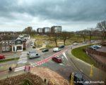Tiel, 15 maart.  Voor een goede en veilige ontsluiting van het tijdelijke parkeerterrein aan het Fabriekslaantje wordt op het kruispunt Havendijk-Fabriekslaantje- Santwijcksepoort-Grotebrugse Grintweg een rotonde aangelegd.