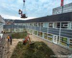Tiel, 26 februari.  Verbouwing ziekenhuis Rivierenland Tiel in tweede fase. In de binnentuin naast de afdeling P1, maar ook binnen die afdeling wordt de komende maanden gebouwd. Dat is onderdeel van het Masterplan Beddencapaciteit waar Ziekenhuis Rivierenland aan werkt.