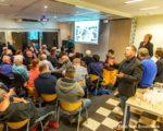 Tiel, 16 maart.  Grote belangstelling voor de presentatie concept stedenbouwkundig schetsplan Waalkade tijdens een bijeenkomst in Beursplein.