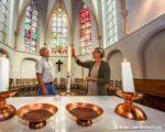 Tiel, 10 mei.  De St Caecilia Kapel gaat open voor stilte en bezinning.  Ds. Karin Spelt samen met Peter Minnema.
