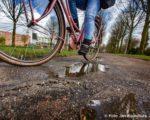 Tiel, 30 maart. De fietspaden van Kennedylaan, Siependaanlaan en Rivierenland moeten hersteld worden ivm wortelgroei.