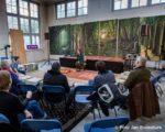 Tiel, 22 januari. Mia Verbeelen vertelt in het oude Postkantoor aan het Hoogeinde op speelse wijze over de geschiedenis van Tiel. De verhalen zijn bedoeld voor kinderen vanaf 6 jaar. In de binnenstad van Tiel komt een ontmoetingsplek en informatiepunt over taal en vertelkunst: het Huis der Verhalen.