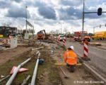 Tiel, 30 maart.  Werkzaamheden aan de Industrieweg. De provincie Gelderland is gestart met het onderhoud en de reconstructie van de Industrieweg.