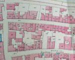 Op de kadasterkaart van 1833 zijn beide pompen in de Gasthuisstraat ingetekend (en ook weer de pomp naast Zeeman)