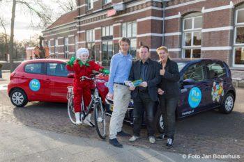 Naast Flipje: Jan de Kock, namens ondernemende burgers, wethouder Marcel Melissen namens de overheid en Heidi van Dijkhuizen namens het bedrijfsleven