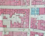 De eerste kadasterkaart van 1833 waarop zowel de pomp aan de Ambtmanstraat als die in de Waterstraat (boven X) zijn ingetekend