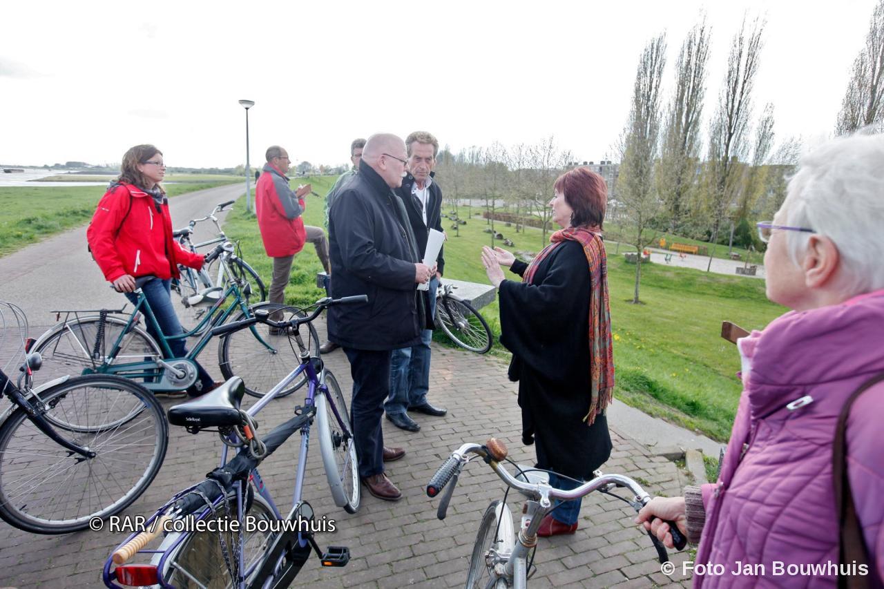 Petitie tegen de overlast 19 april 2012