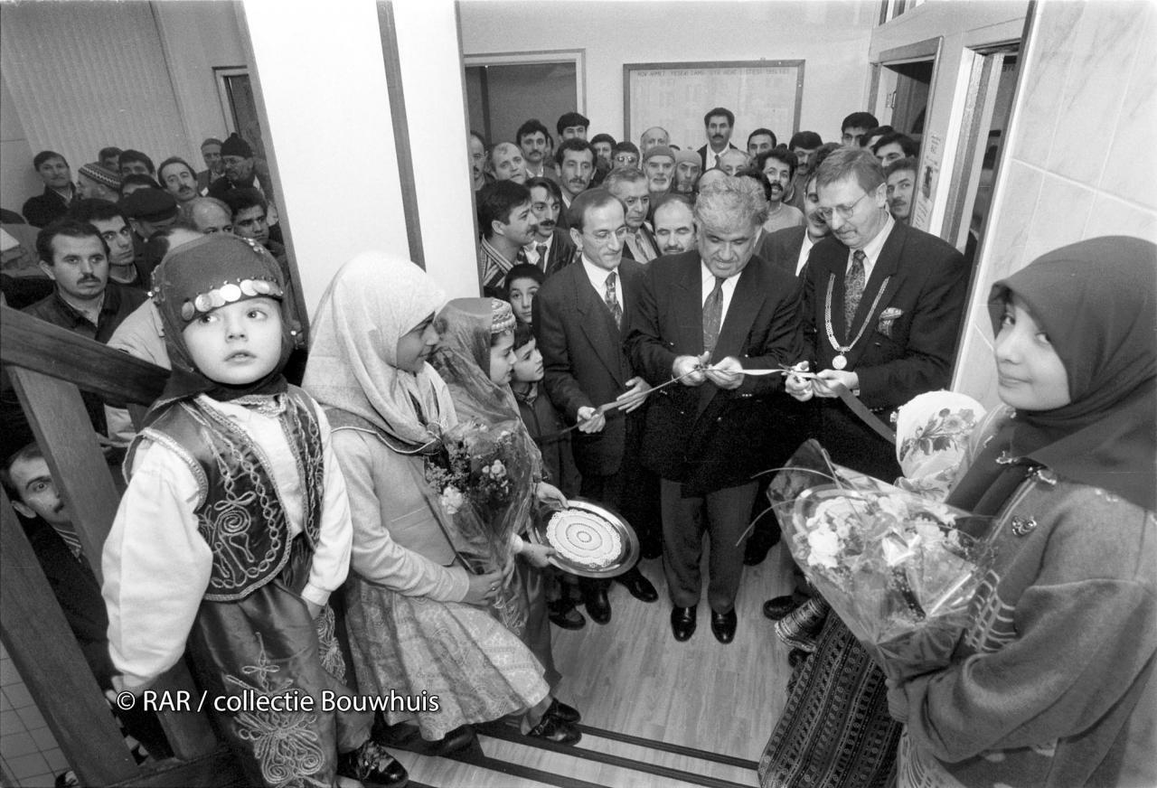 1995 officiële opening door burgemeester Van Telligen