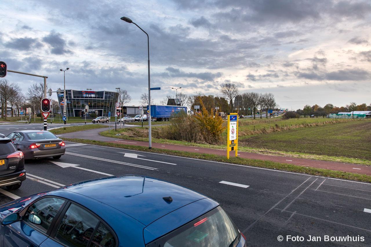 Rechts de nieuwe locatie tankstation Dijkhuizen