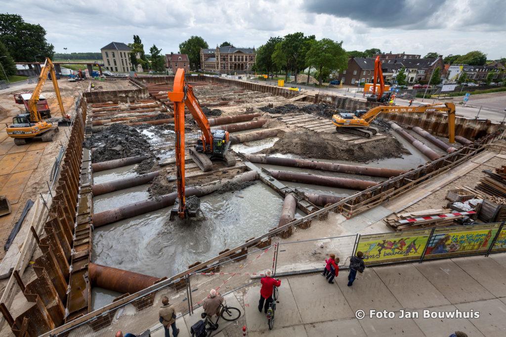 Tiel heeft financiële zorg minder: Vordering van 3,5 miljoen van bouwer Cultuurcentrum en parkeergarage afgewezen - de Tielenaar